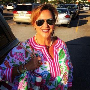Meet the Posher Other - Jen Lancaster, Poshmark Ambassador